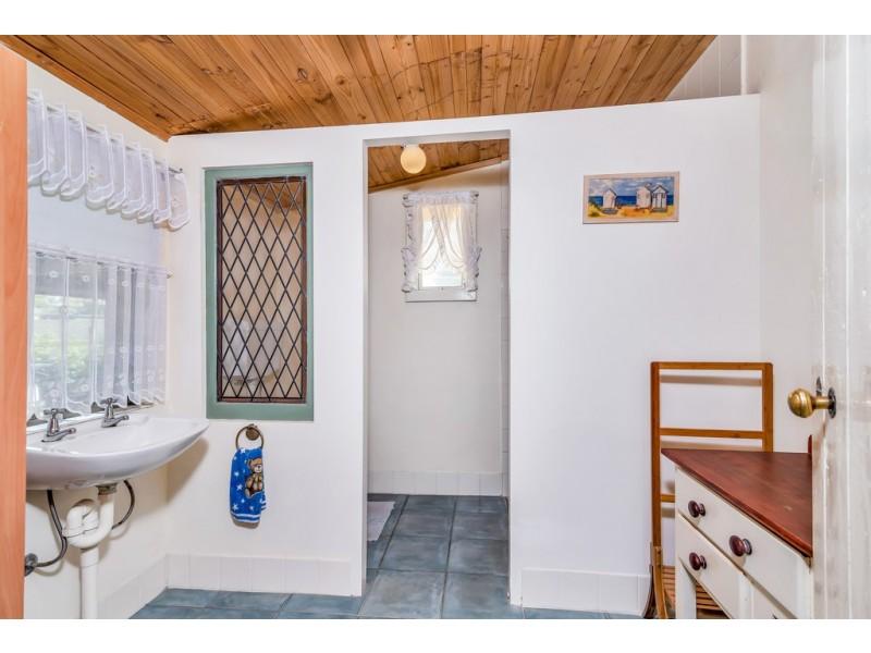 18 – 20 Story Street, Milang SA 5256