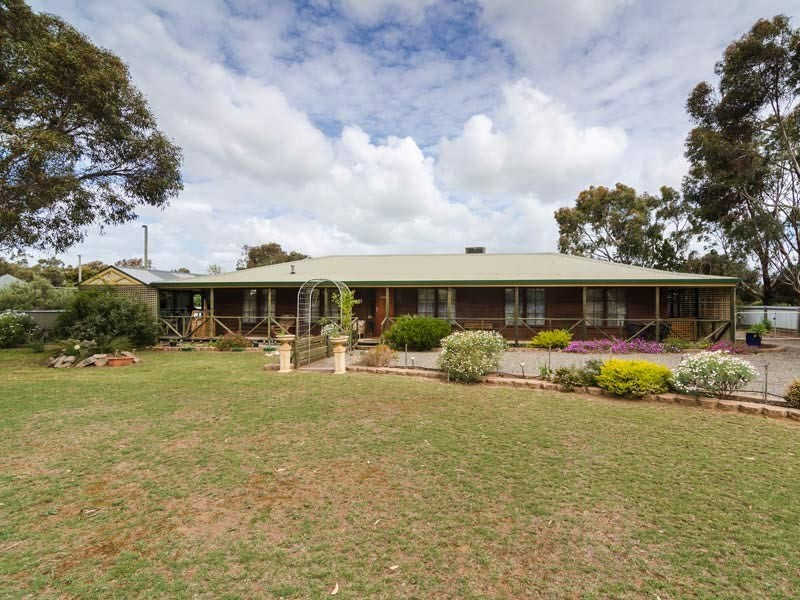 24 Angas Plains Road, Belvidere SA 5255