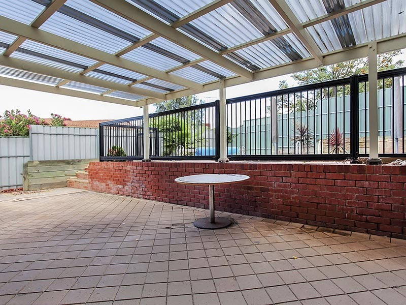 15 Elena Crescent, Hallett Cove SA 5158