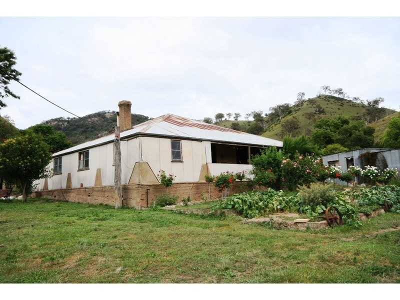 1672 Castlereagh Highway, Apple Tree Flat NSW 2850