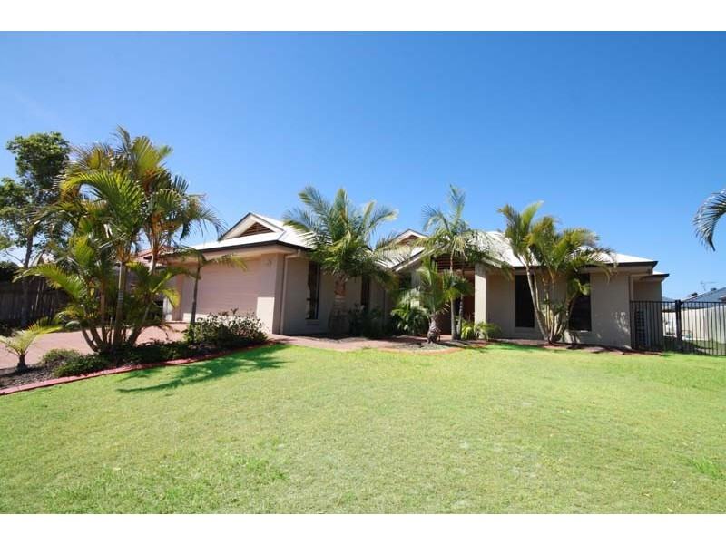 12 Lockyer Place, Pelican Waters QLD 4551