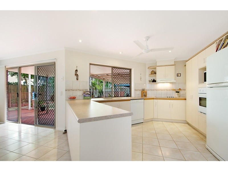 4 Otter Court, Pelican Waters QLD 4551