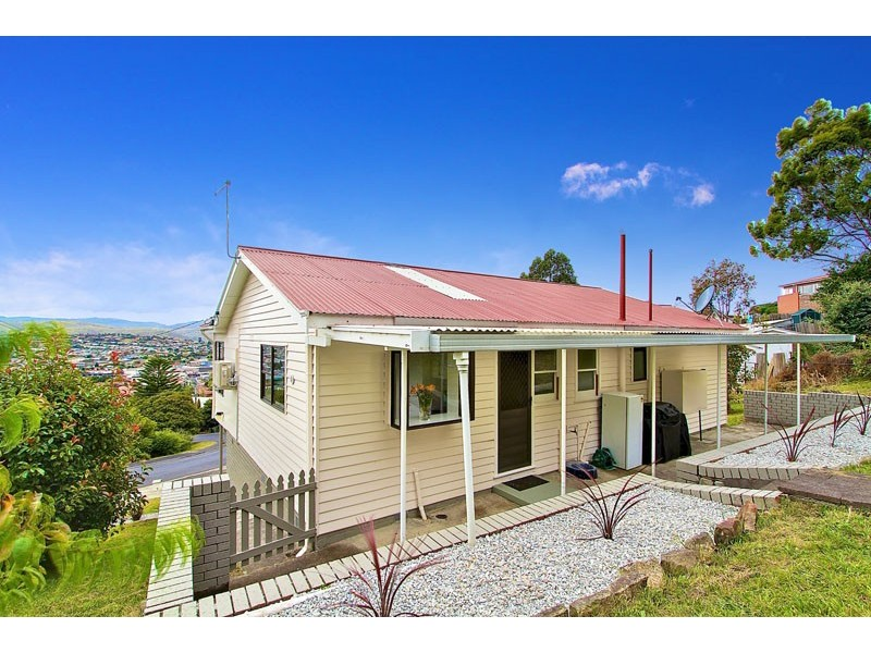 28 Walch Avenue, Moonah TAS 7009