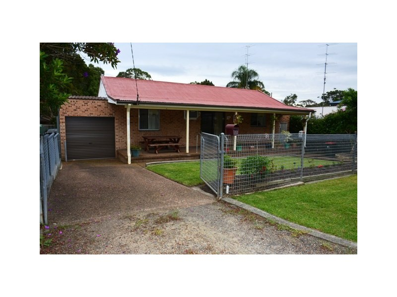 22 Nirringa Road, Summerland Point NSW 2259