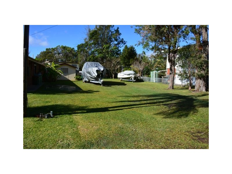 22 Bambara Avenue, Summerland Point NSW 2259