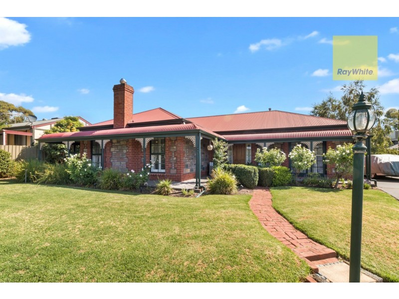 5 Crossing Road, Aberfoyle Park SA 5159