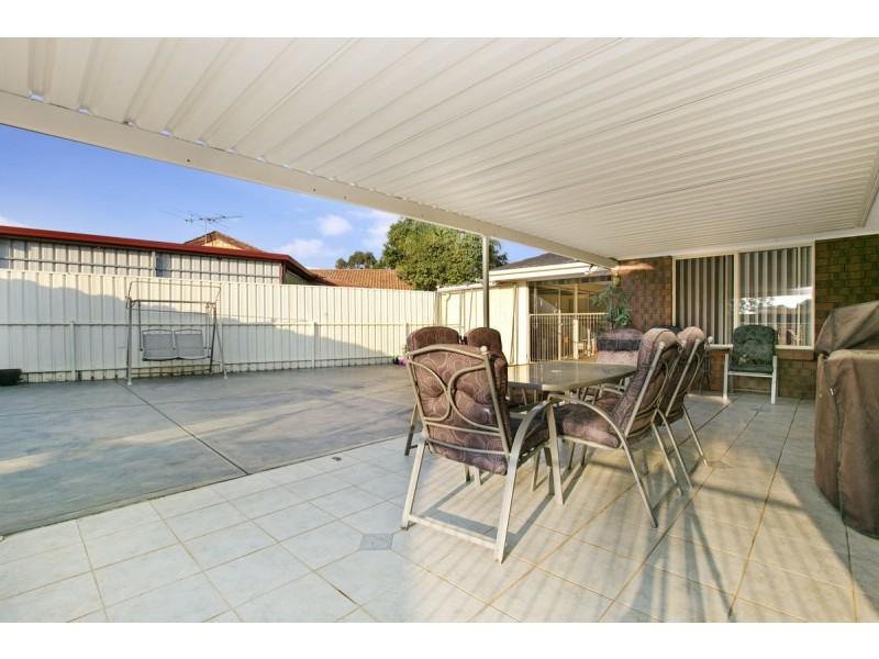 5 John Bull Court, Andrews Farm SA 5114