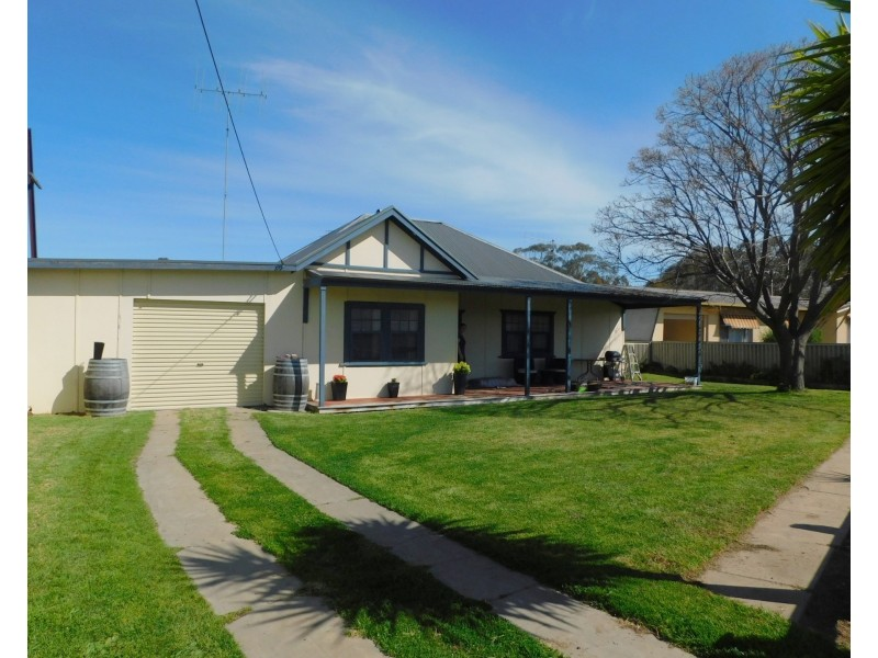 32 DeCourcey St, Bordertown SA 5268