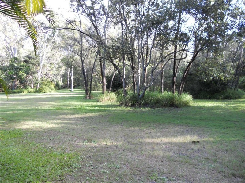 12 Parraweena Ct, Point Vernon QLD 4655