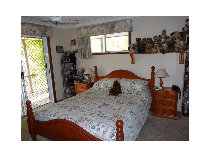 15 Dreamtime Ave, Burrum Heads QLD 4659