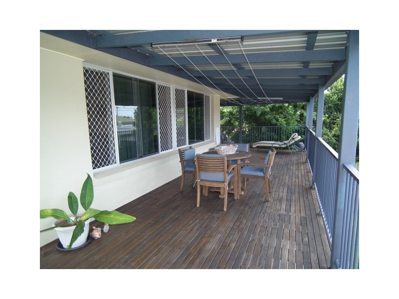 42 Long Street, Point Vernon QLD 4655