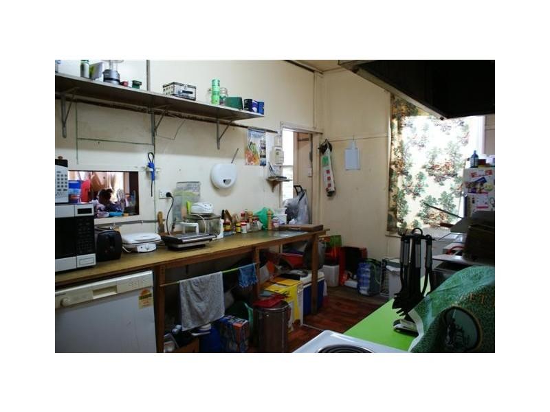 11 Victoria Street, Biggenden QLD 4621