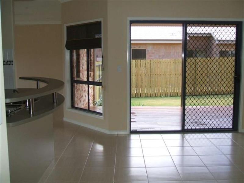 5 Bayley Court, Urraween QLD 4655
