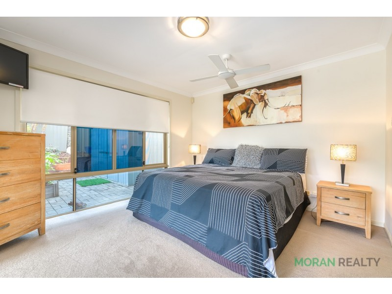 40 Desert Falls Crescent, Parkwood QLD 4214