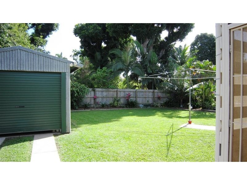 21 Surry St, Hyde Park QLD 4812