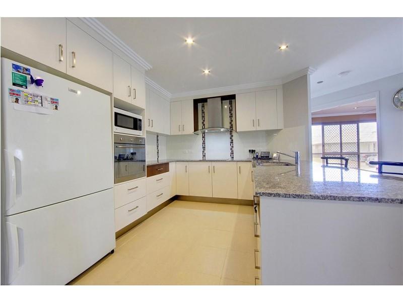 10 Dillon Street, Mount Louisa QLD 4814