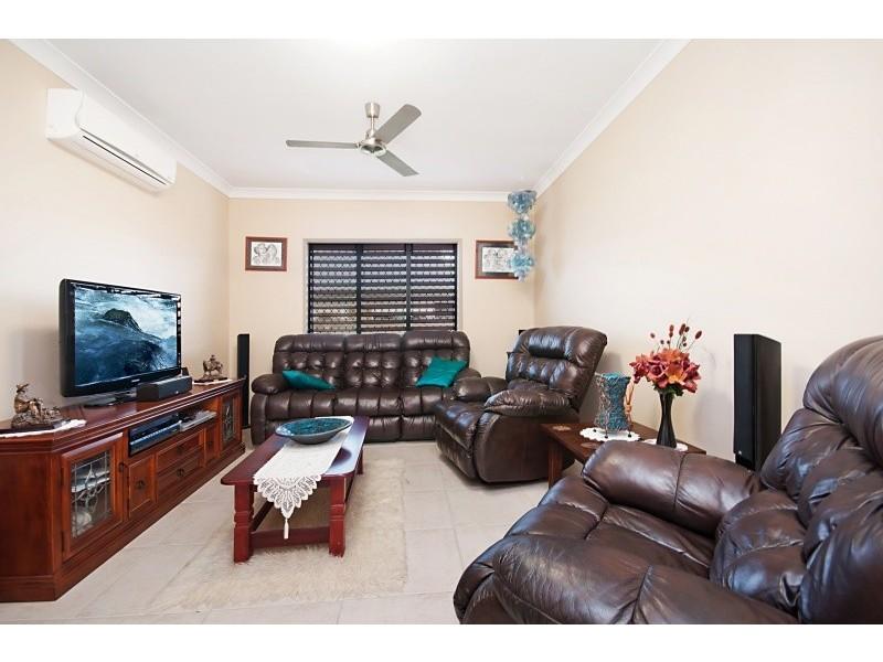 21 Browning Street, Mount Louisa QLD 4814