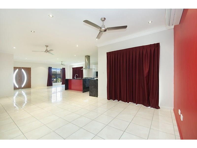 19 Dundabella Dr, Deeragun QLD 4818