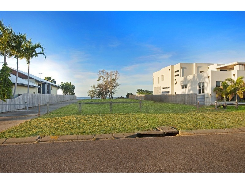 32 Waterview Drive, Bushland Beach QLD 4818