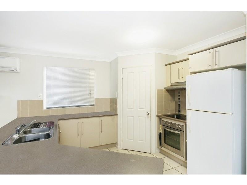 21 Dungurra Place, Bushland Beach QLD 4818