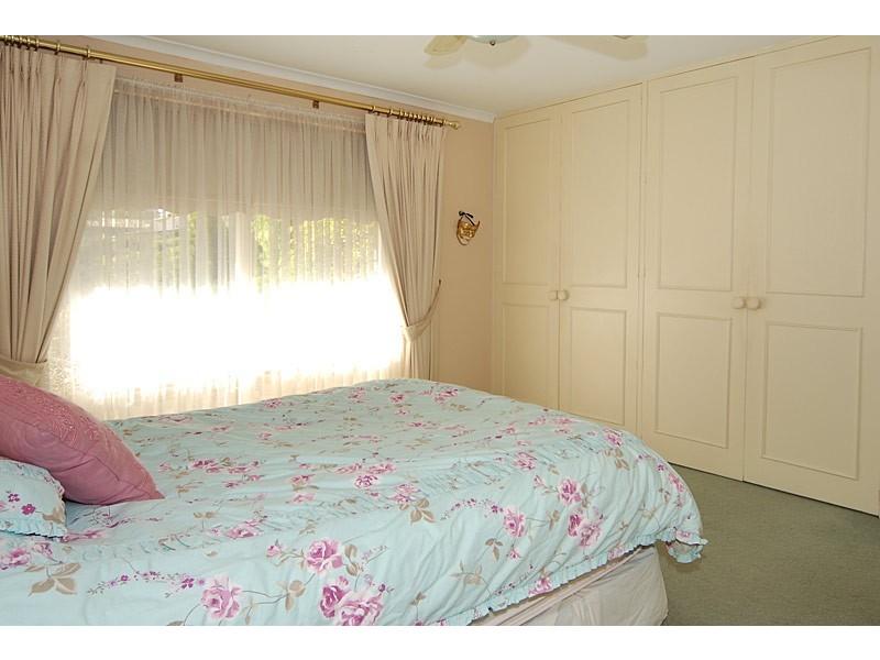 28 Lyn St, Aberfoyle Park SA 5159