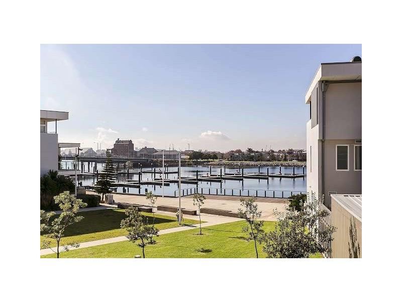 209 The Sails, New Port SA 5015