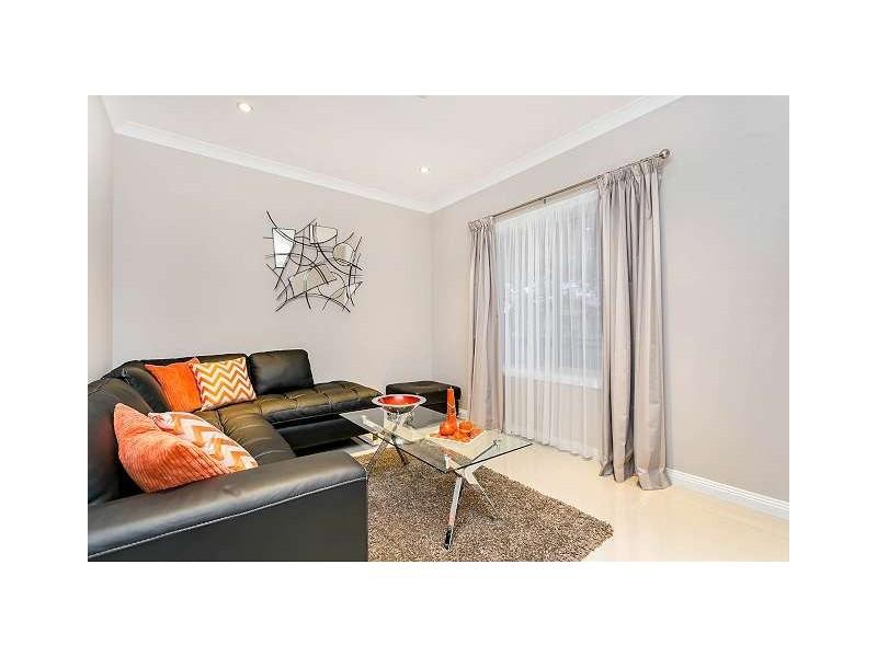 4 Centre Street, Largs Bay SA 5016