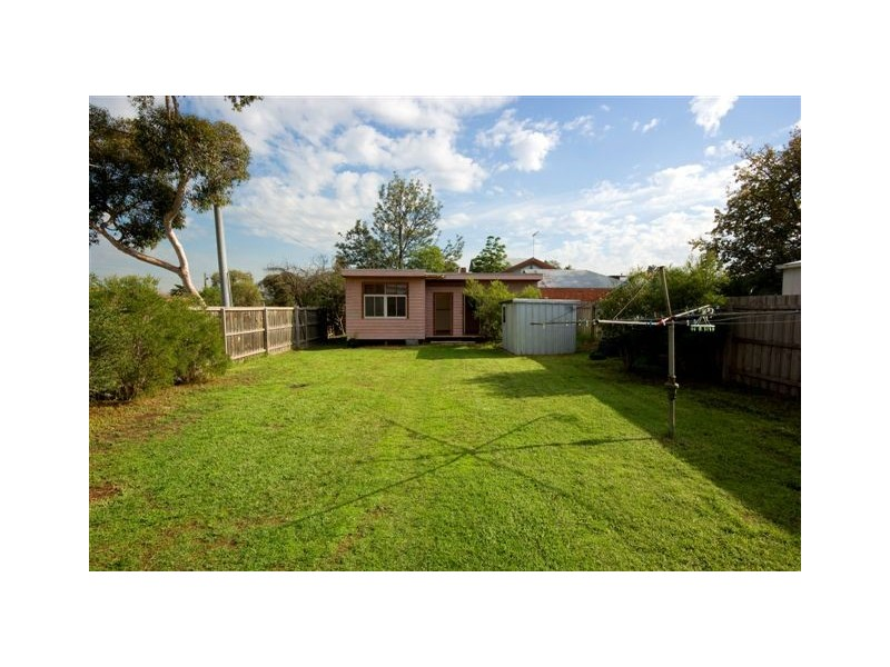13 Grange Road, Alphington VIC 3078