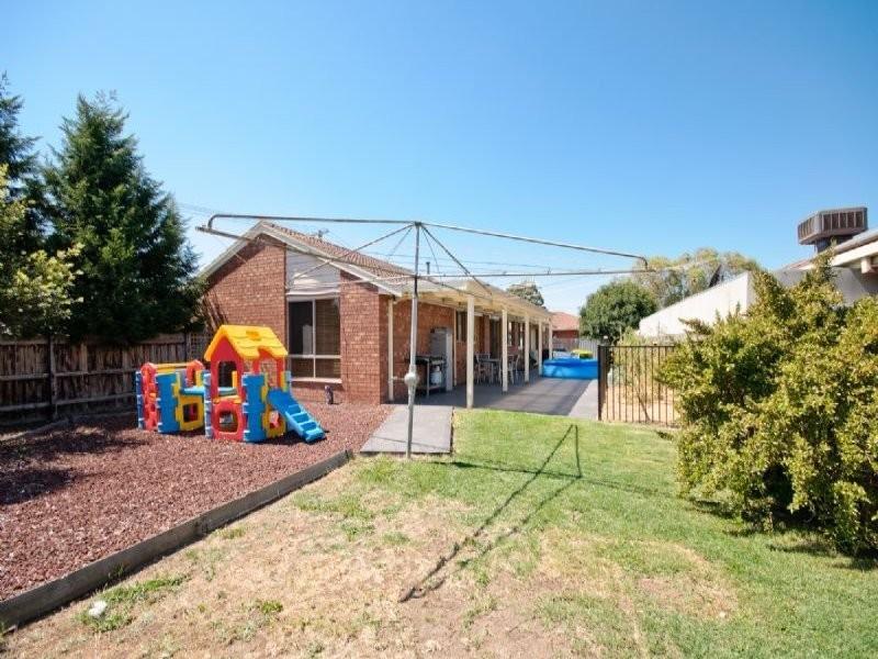 1 Lindfield Court, Craigieburn VIC 3064