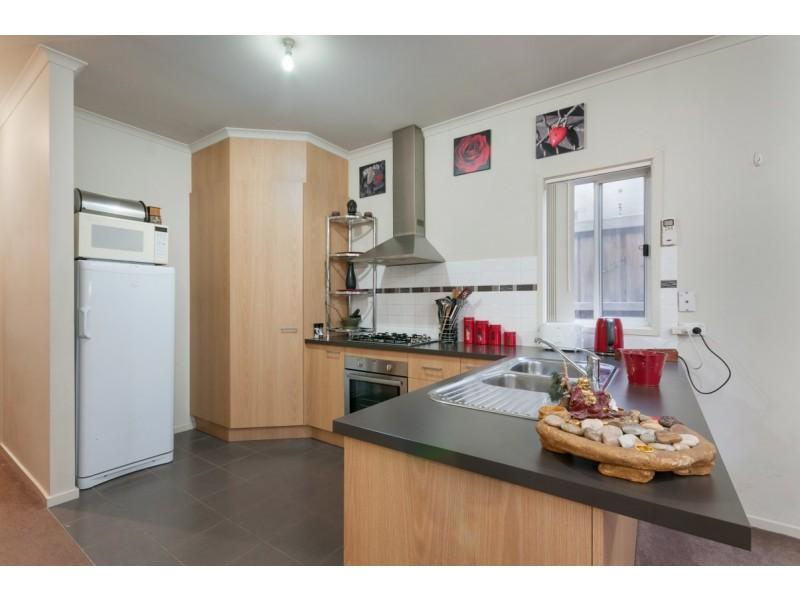 8 Herryls Lane, Craigieburn VIC 3064