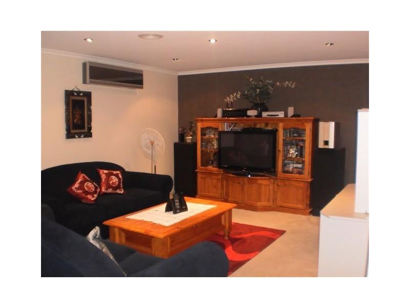 8 Bertrand Court, Craigieburn VIC 3064