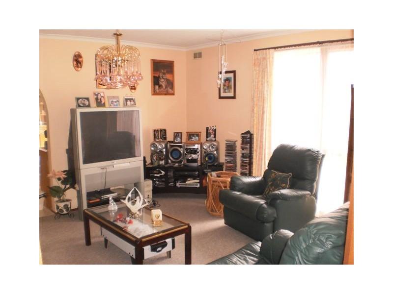 25 Mitford Crescent, Craigieburn VIC 3064