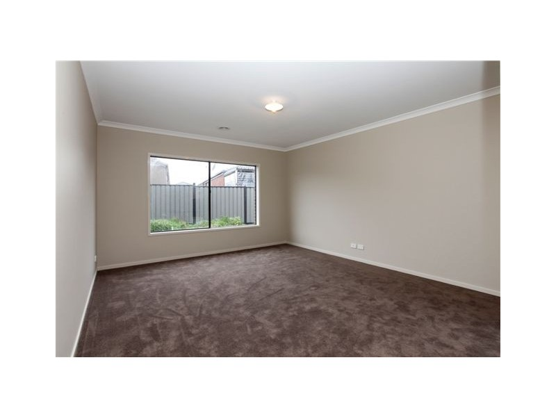 54 Bridgehaven Way, Craigieburn VIC 3064