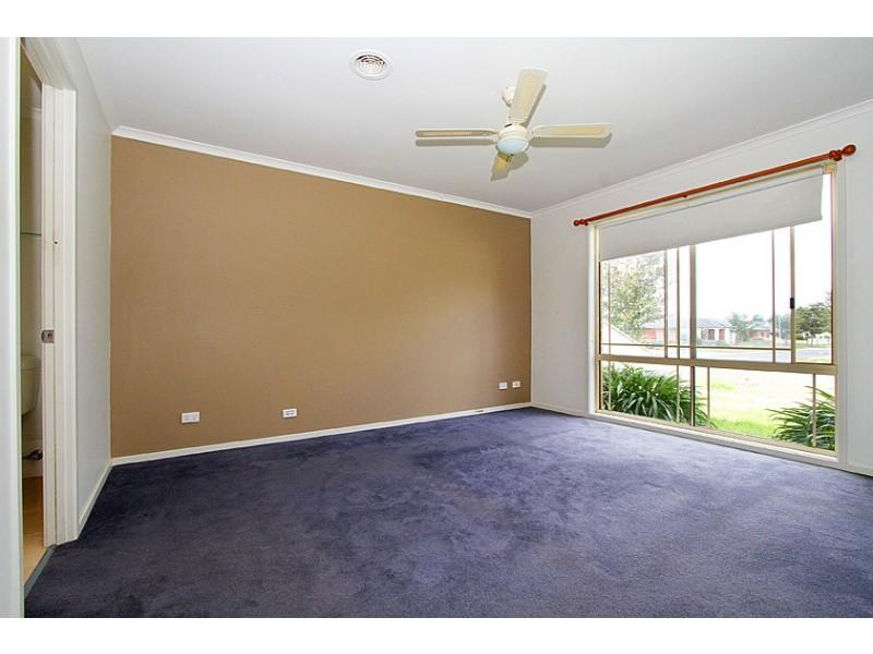 40 Emerald Circuit, Craigieburn VIC 3064