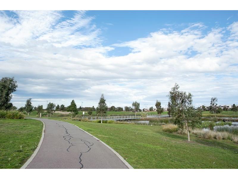 13 Basingstoke Retreat, Craigieburn VIC 3064