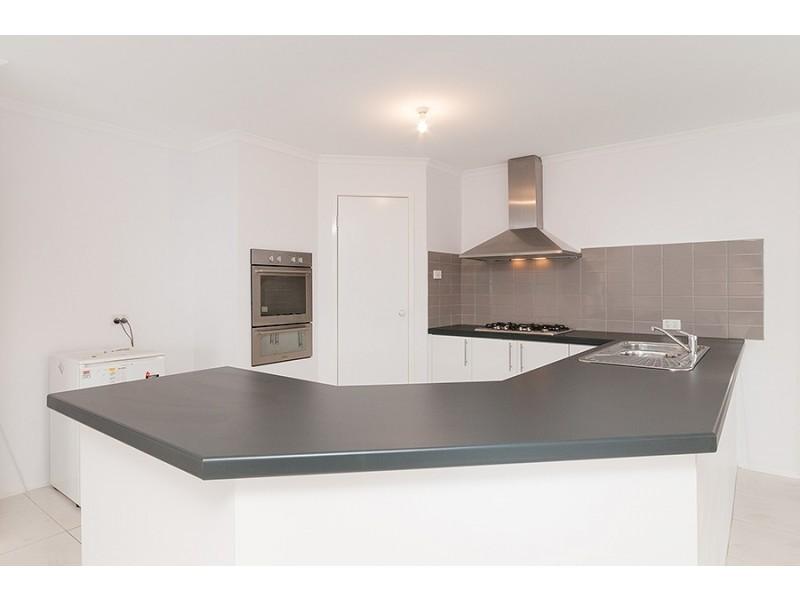 27 Grange Rise, Craigieburn VIC 3064