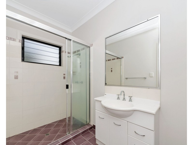 2/53-55 Kings Road, Hyde Park QLD 4812