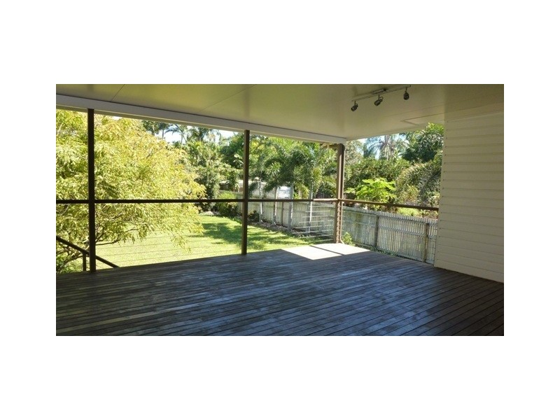 38 Sussex Street, Hyde Park QLD 4812