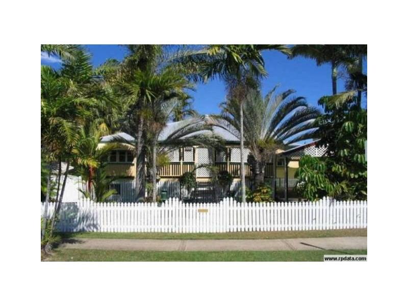 8 Surrey Street, Hyde Park QLD 4812