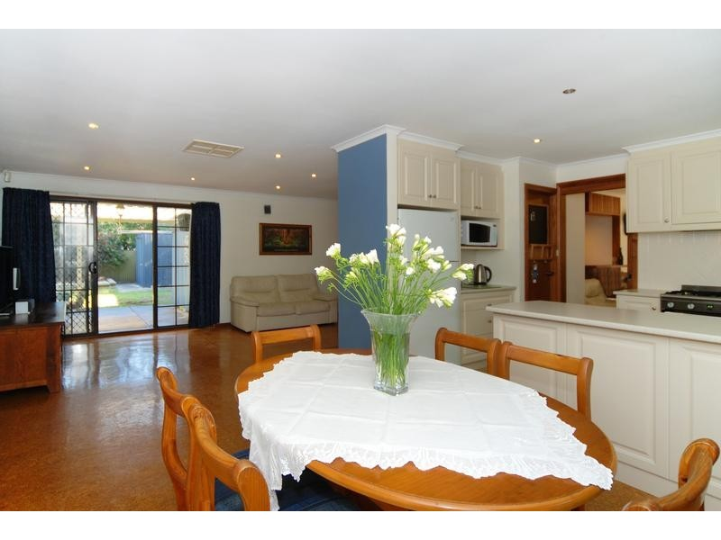 18 Sheoak Crescent, Aberfoyle Park SA 5159