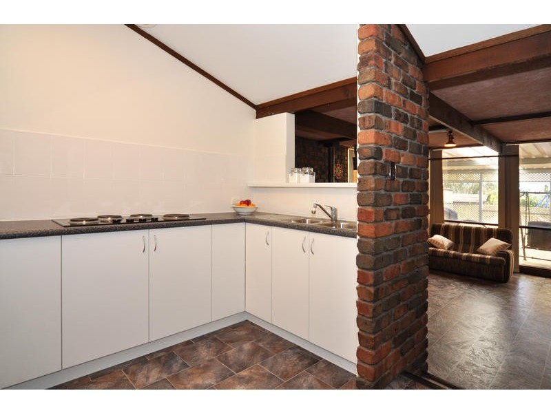 66 Oakridge Road, Aberfoyle Park SA 5159