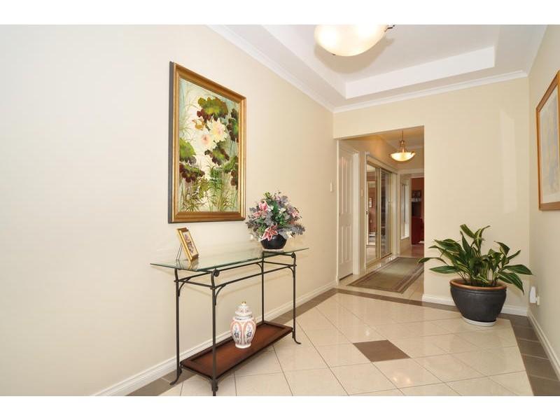 6 Hillside Court, Aberfoyle Park SA 5159
