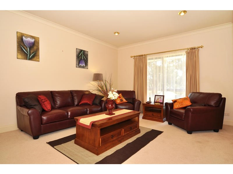 4 Goss Road, Aberfoyle Park SA 5159