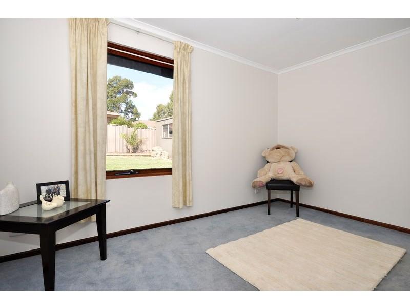 45  Serenade Crescent, Aberfoyle Park SA 5159