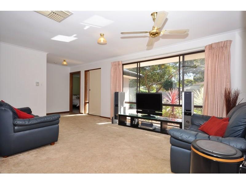 4 Ivy Street, Aberfoyle Park SA 5159