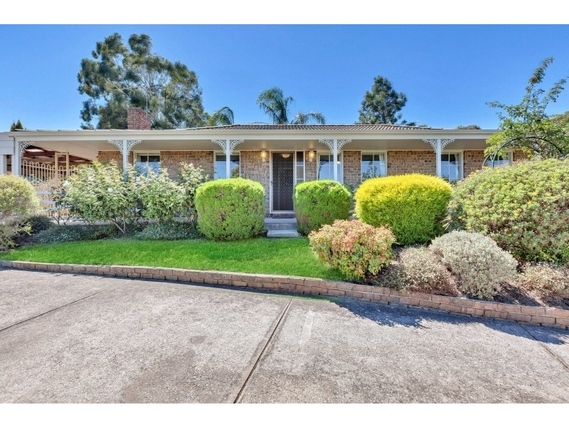 30 Broadmeadow Drive, Flagstaff Hill SA 5159