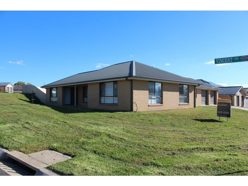 2 Vincent Crescent, Bathurst NSW 2795