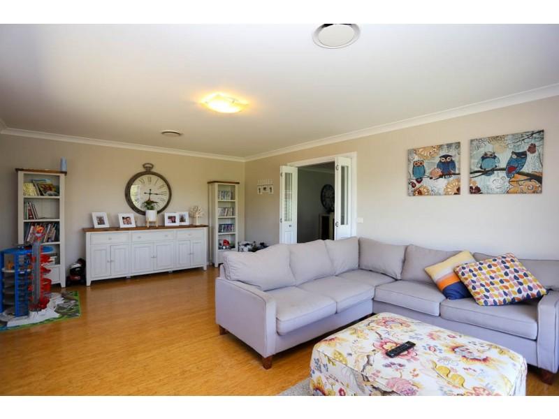 16 McGirr Street, Llanarth NSW 2795