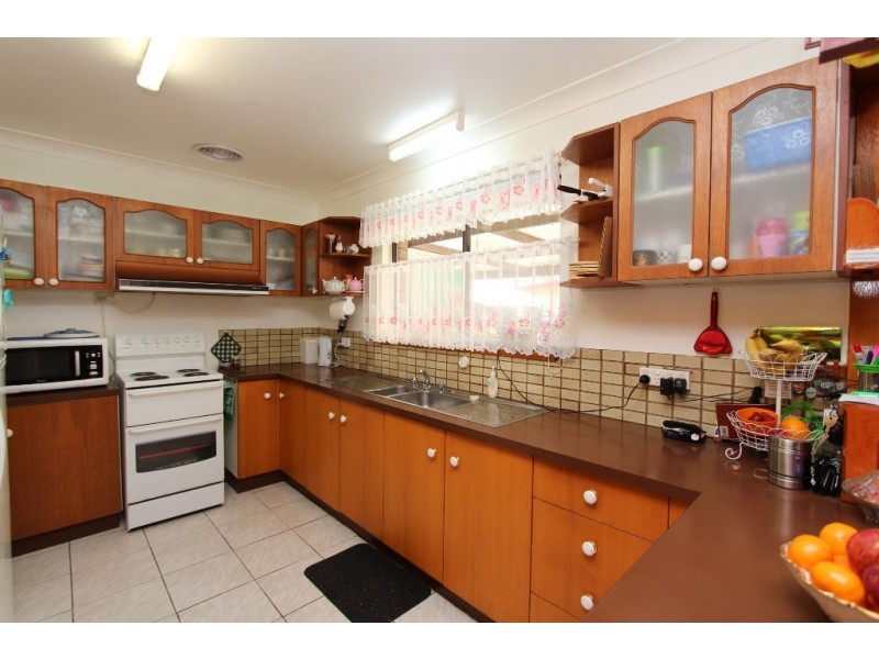 9 Bathurst Street, Perthville NSW 2795