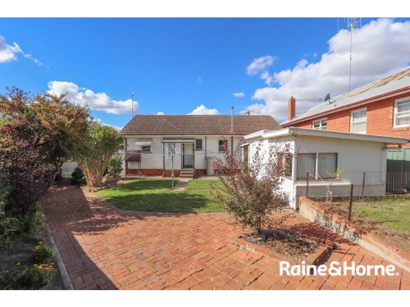 298 Keppel Street, West Bathurst NSW 2795